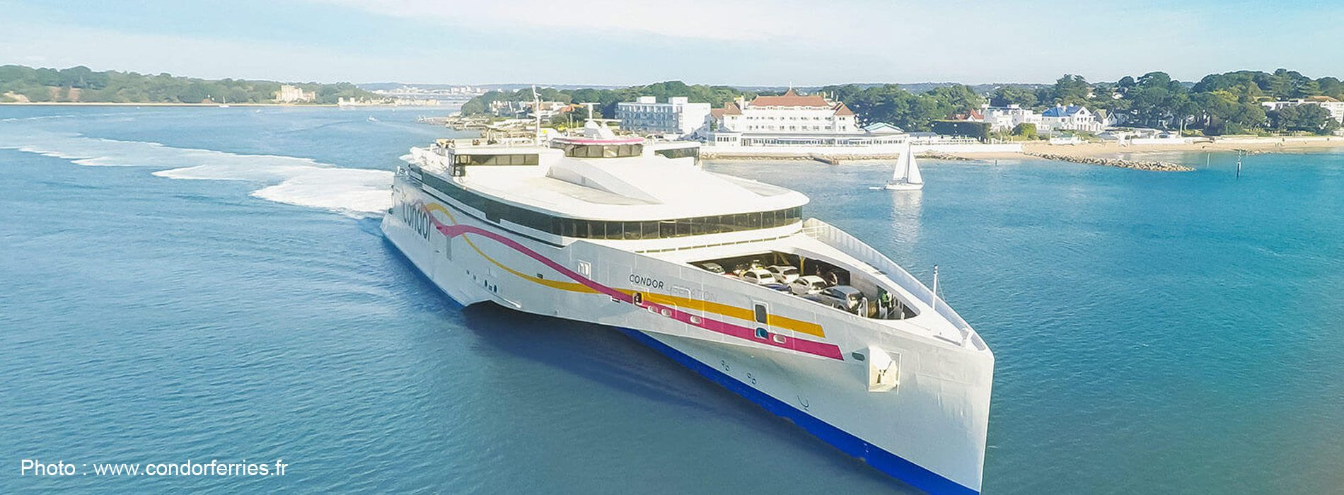 Les Condor Ferries abordés par Brittany Ferries
